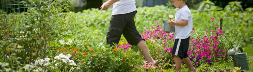 cropped-gardening-mother-son.jpg